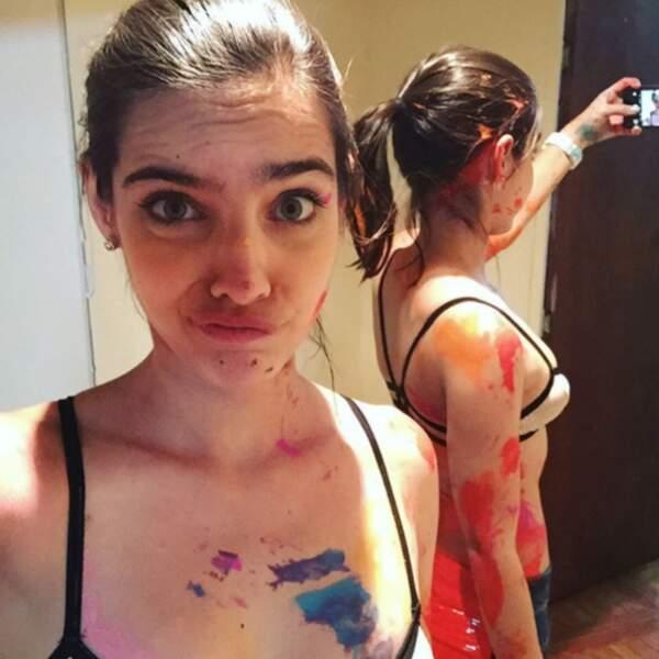 Devant, derrière... Quand elle joue au paintball, l'actrice ne rigole pas