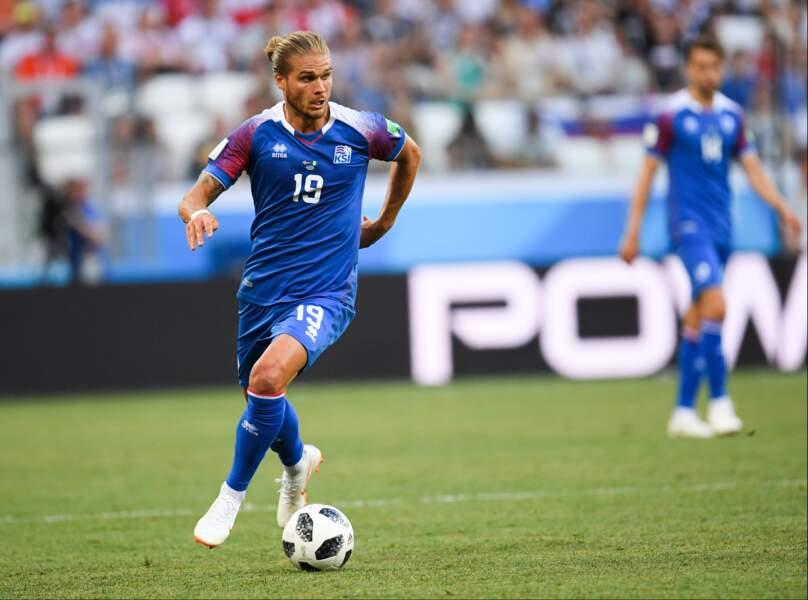 Rurik Gislason, 30 ans, n'est pas titulaire avec l'islande...