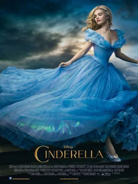 """Disney réinvente le conte en 2015 avec Lily James dans """"Cendrillon"""""""
