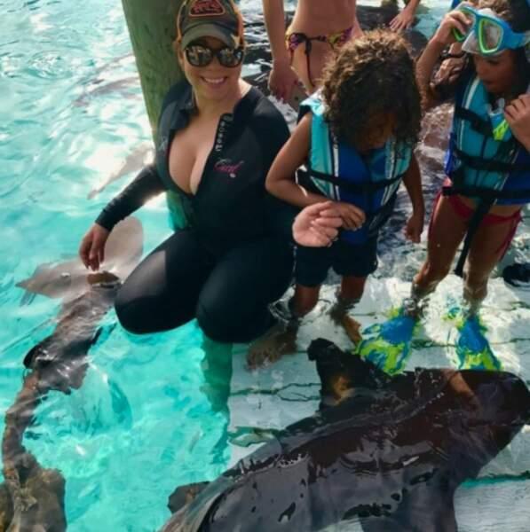 Au soleil, Mariah Carey est tombée nez à nez avec des requins-nourrices.