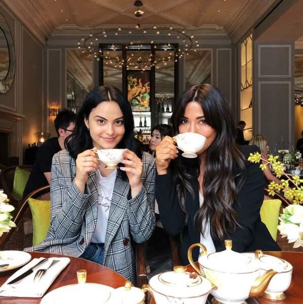 Un petit thé avec Marisol Nichols, alias sa mère dans Riverdale, what else ?