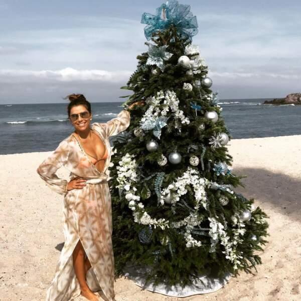 Noël les pieds dans le sable pour Eva Longoria