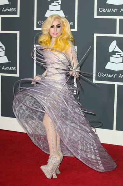 Discrète aux Grammy Awards en 2010 ...