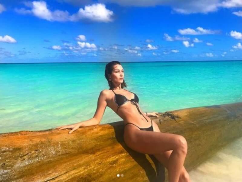 En parlant de sexy, Bella Hadid a bronzé de manière totalement naturelle dans ce lieu paradisiaque.