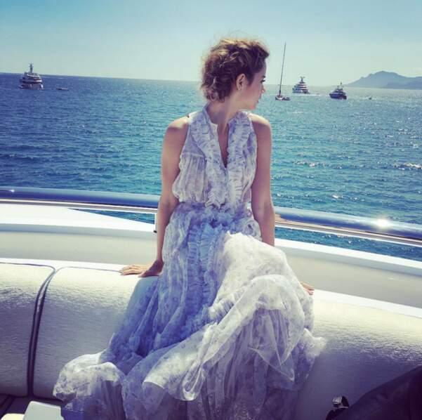 L'actrice et très jolie Ana de Armas profite déjà du soleil cannois