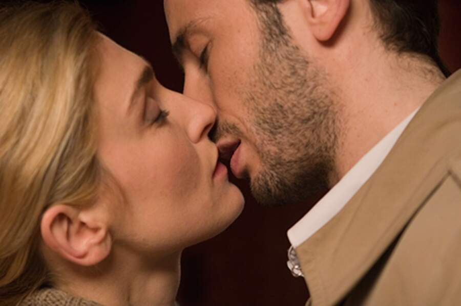 Julie Gayet et Michaël Cohen dans le film Un baiser s'il vous plait en 2006