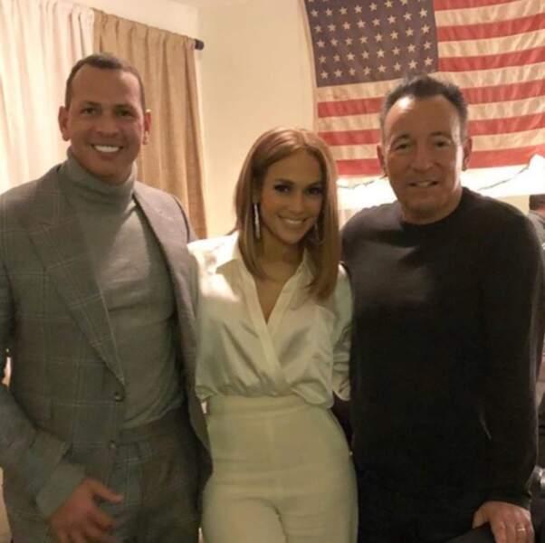 Et J.Lo et son chéri Alex Rodriguez était beaucoup trop contents de poser avec Bruce Springsteen !