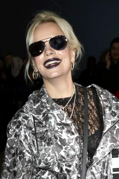 Lily Allen en route pour le défilé Dior Homme