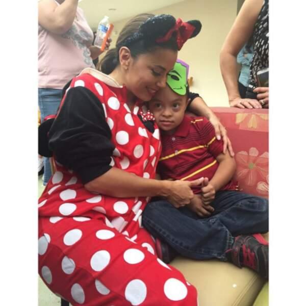 Respect : Eva Longoria a passé Halloween avec des enfants atteints du cancer à Los Angeles.