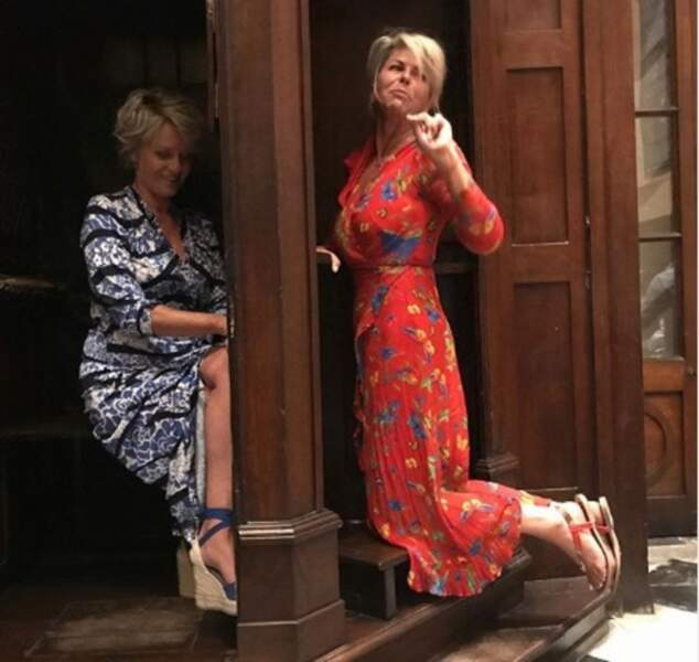 Fou rire entre Sophie Davant et Caroline Margeridon face à un drôle d'objet à la vente : un confessionnal !