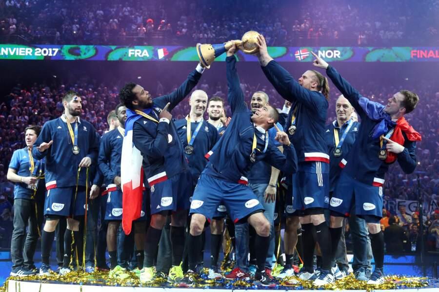 Ils étaient nombreux, hier, à soutenir les Bleus dans les tribunes de Bercy