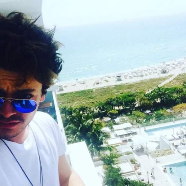 Et la vue derrière Kev Adams à Miami nous a fait rêver !