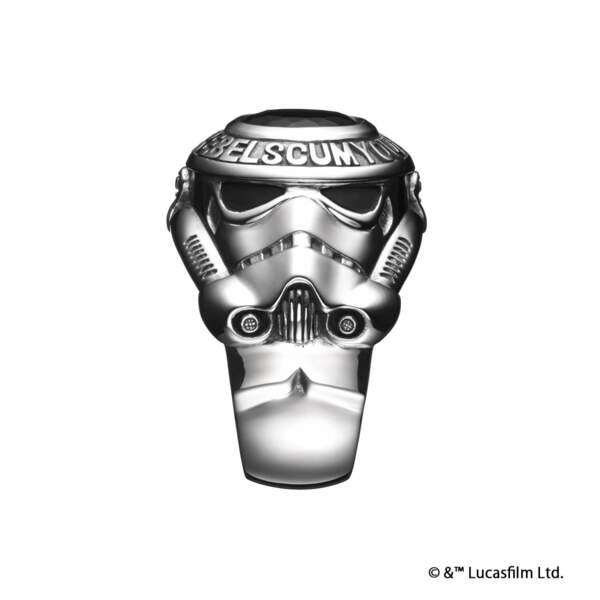 """College Ring"" Stormtrooper. Env. 406€"
