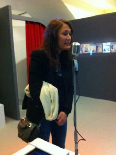 Daniela Lumbroso pousse la chansonnette