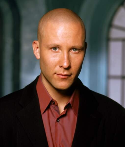 Lex Luthor est brièvement marié à Lana, ami puis ennemi juré de Clark Kent