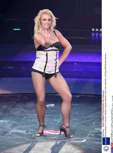 Britney affiche clairement quelques kilos en plus