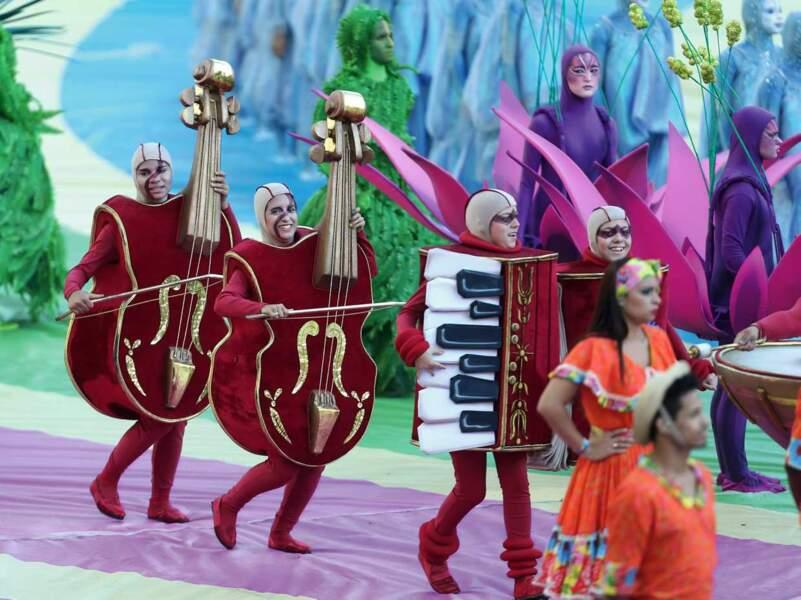 On a aussi vu des violoncelles géants. Il fallait y penser !