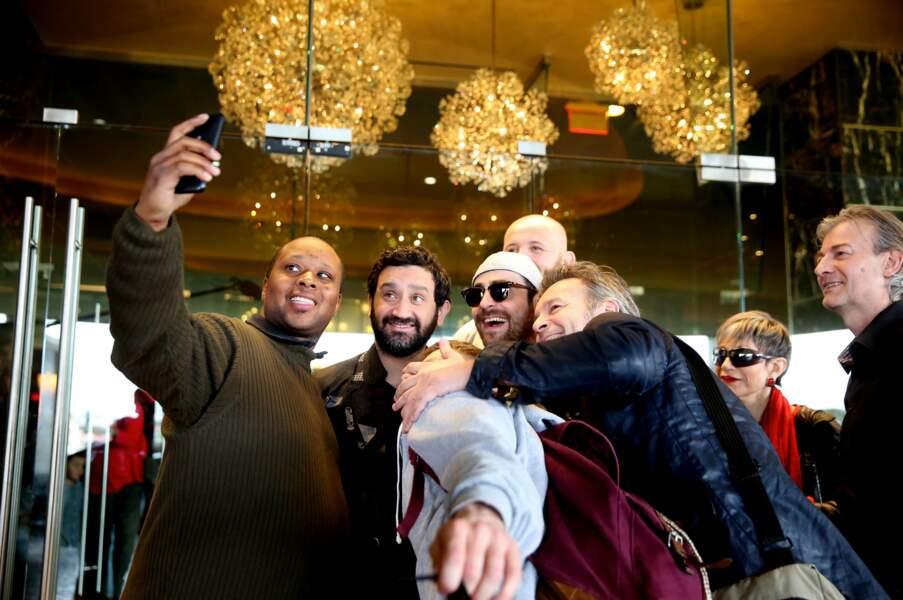 Pour fêter leur arrivée à l'hôtel Palms Casino Resort, un petit selfie s'impose !