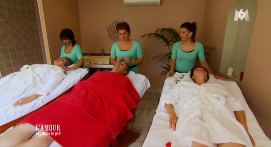 Et elle ne s'est pas non plus invitée à la séance de massage !
