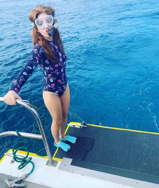 On commence par les vacances d'Isla Fisher à Hawaii.