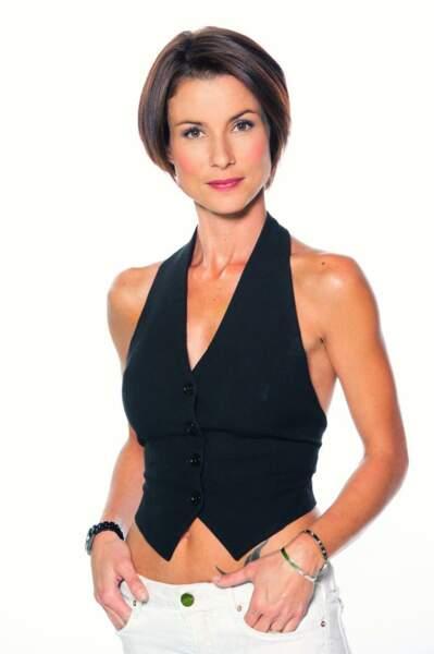 La comédienne Jennifer Lauret en tenue de ville.