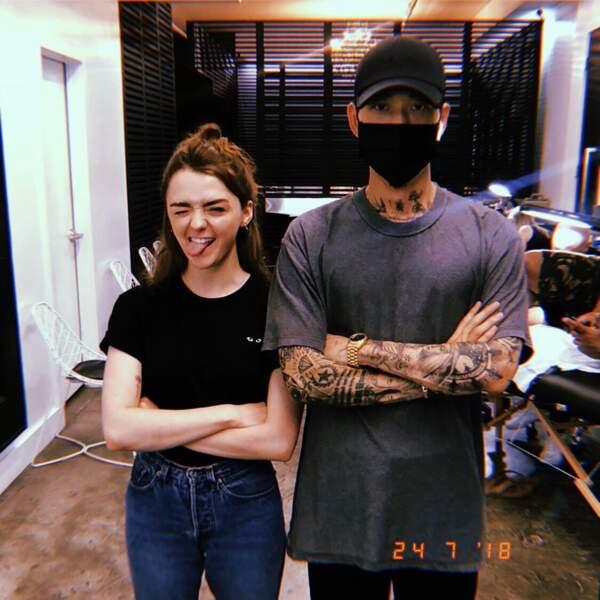Maisie Williams a le même tatouage que Sophie Turner, sa sœur de Game of Thrones