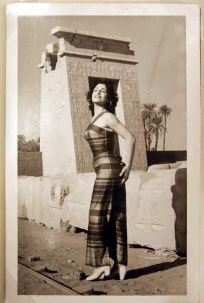 Yolanda Cristina Gigliotti, qui n'est pas encore Dalida, devient Miss Egypte en 1954, à l'âge de 21 ans.