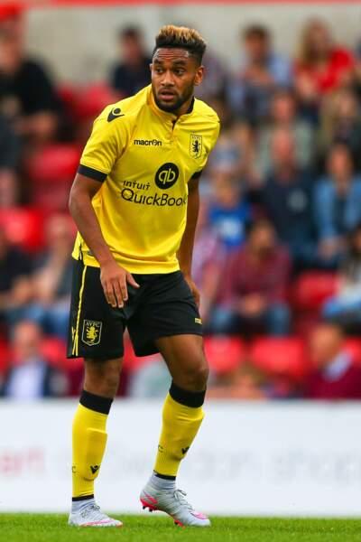 Convoité par Lyon, le défenseur niçois Jordan Amavi s'est finalement engagé avec Aston Villa