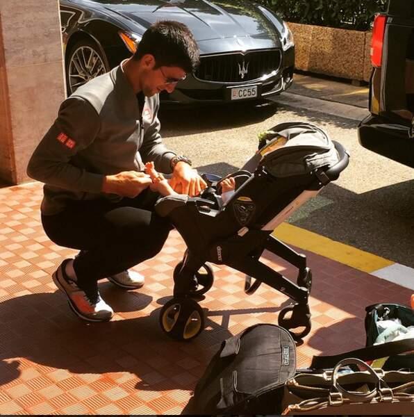 Pendant que Novak Djokovic pouponne