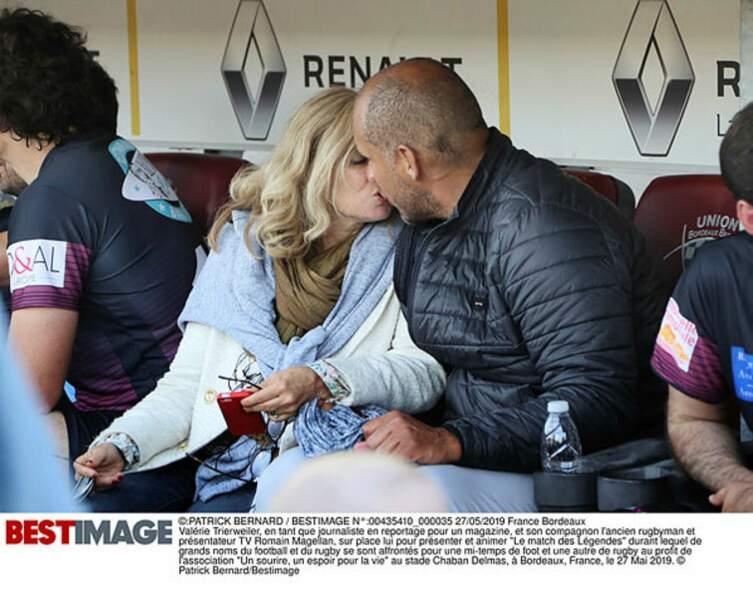 Les deux amoureux se sont échangés un tendre baiser