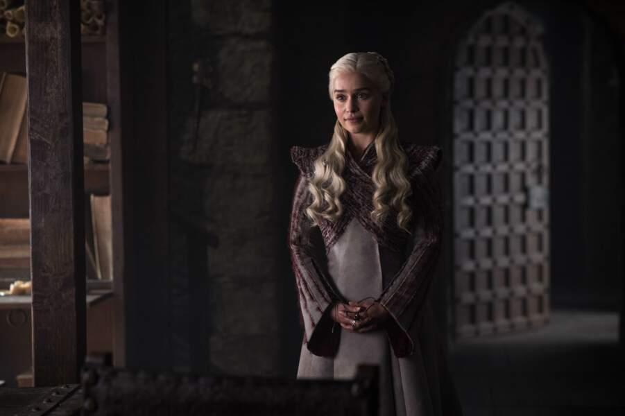 En revanche, devant tous ces liens familiaux, difficile pour Daenerys de trouver sa place