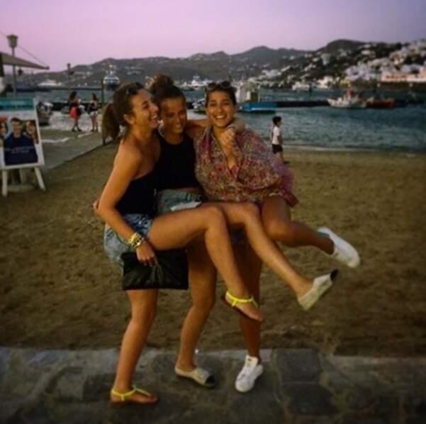 Tout ça pour aller refaire la fête à l'autre bout du monde, ici à Mykonos.