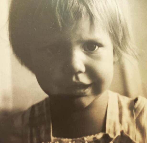 Ça commence avec ce portrait vintage de la mini-Adèle Exarchopoulos.
