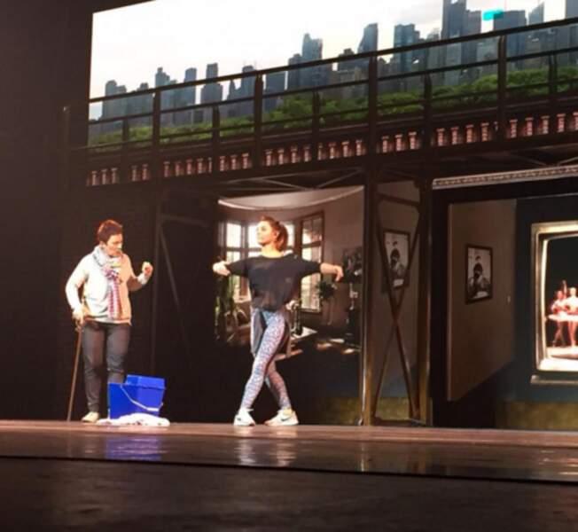 Et petit aperçu des coulisses de la comédie musicale Flashdance, pendant l'entraînement de Priscilla Betti.