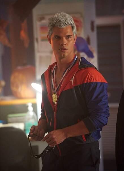 Après Twilight, sa carrière stagne même s'il obtient un rôle récurrent dans la série Scream Queens