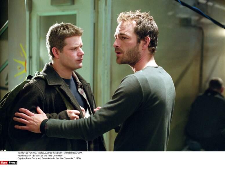 Ici avec Sean Astin dans la série Jeremiah, diffusée de 2002 à 2004