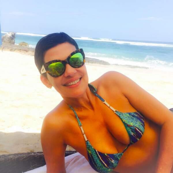Et surtout pas le bikini ! En plus là, elle est chez elle, au Brésil...