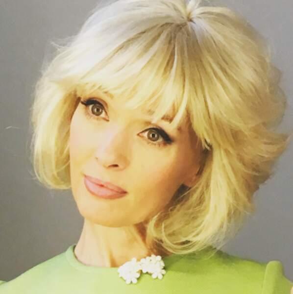 L'actrice Anne Marivin a adopté la coupe de Frange Gall le temps d'un tournage de Catherine et Liliane.
