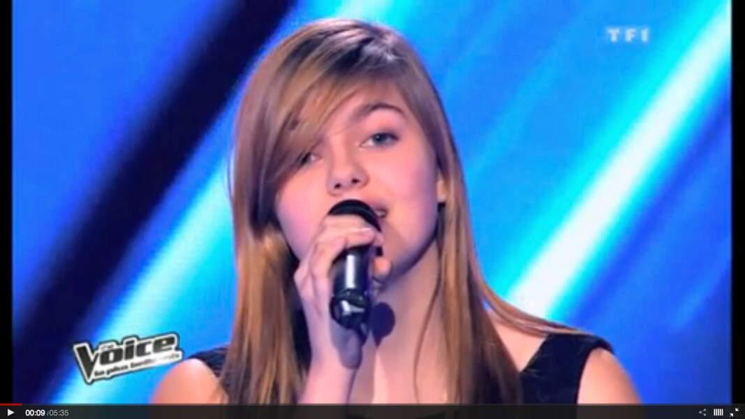 En 2013, la jeune Louane se fait repérer dans le télé crochet The Voice