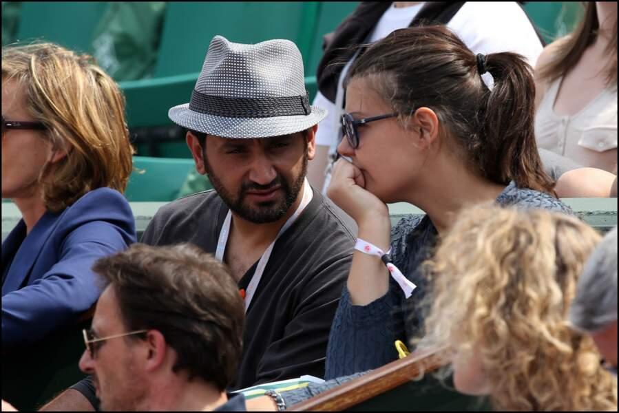 Cyril Hanouna aurait-il du mal à se concentrer sur la match ?