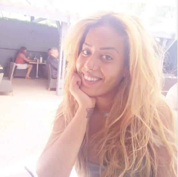 Tiens, Amel Bent a elle aussi succombé au blond. On valide ?