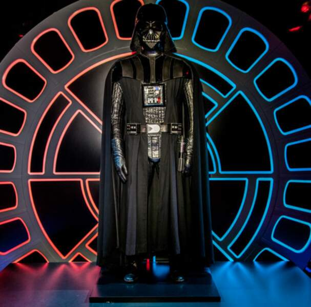Dark Vador (presque en chair et en os) vous accueille à l'exposition