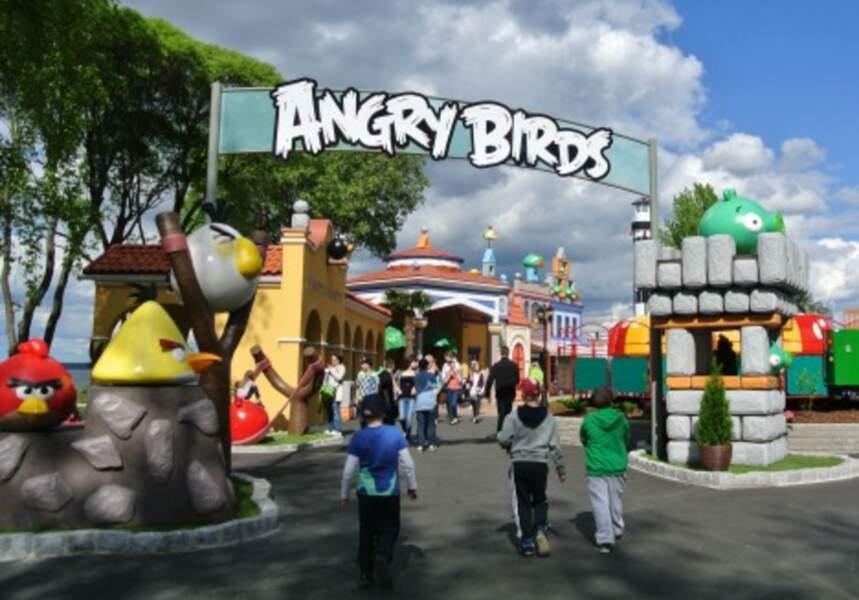 Et même un terrain de jeu Angry Birds en Finlande !