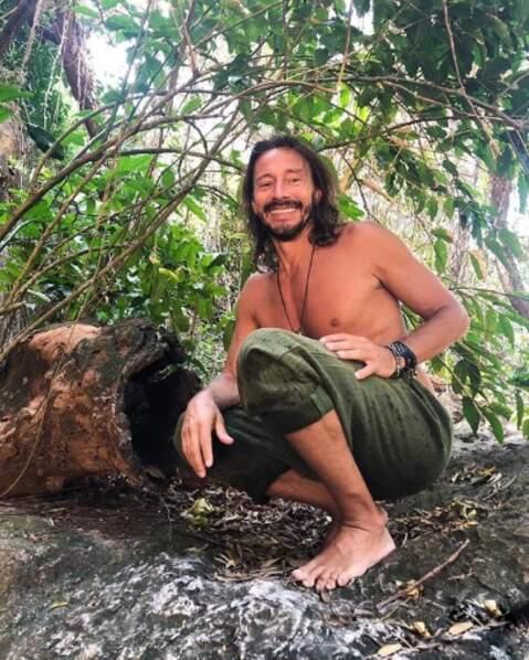 Bob Sinclar se prend pour Tarzan et est en attente de sa Jane (c'est lui qui le dit).