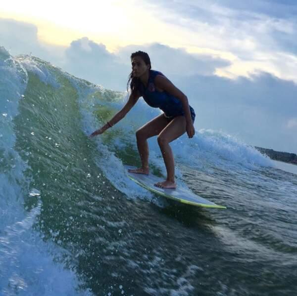 Et Nicole Scherzinger nous a dévoilé un de ses petits secrets : le surf !