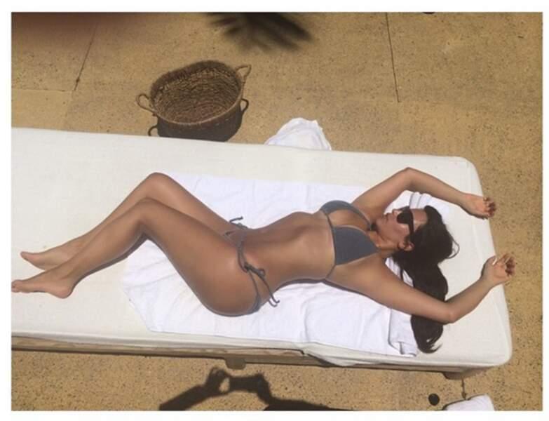 Quand Kim Kardashian bronze, elle le fait en toute élégance !