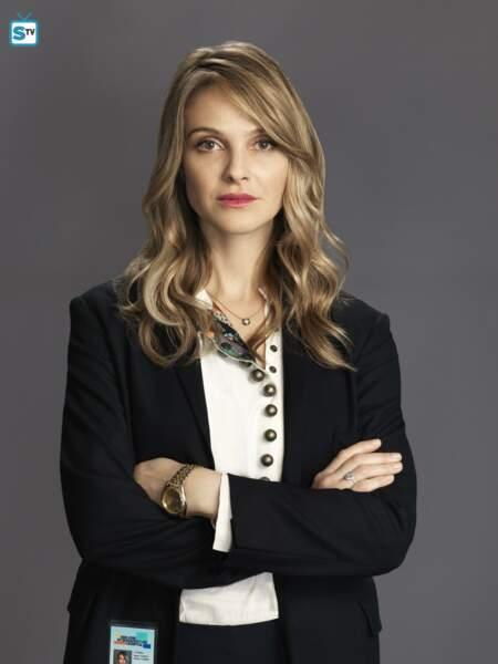 Jessica Preston (Beau Garrett) est la petite-fille du fondateur de l'hôpital et en est devenue l'avocate