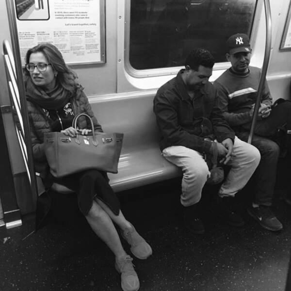 …Emmanuelle Devos a pris le métro…