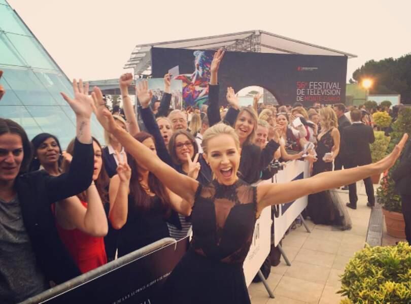 Julie Benz, très en forme avec ses fans