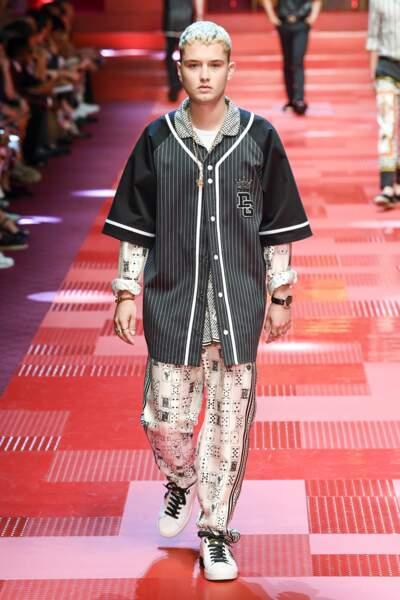Le fils de Jude Law et de Sadie Frost  : Rafferty Law est lui aussi à Milan pour Dolce & Gabbana.